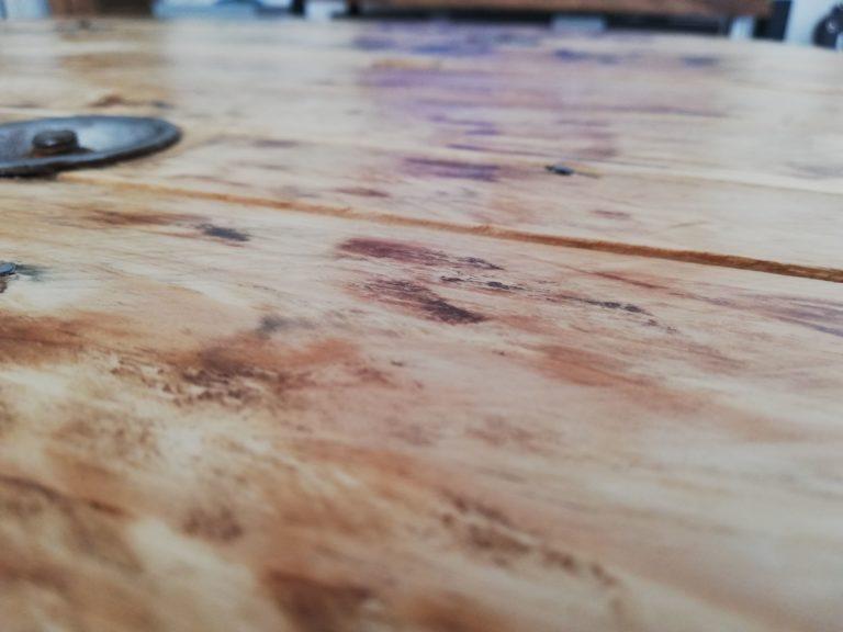 protéger le touret en bois devenu une table basse